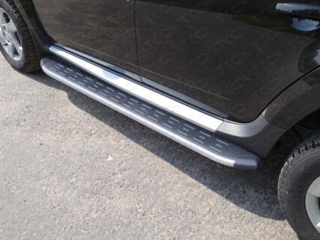 Renault Duster 2015-Пороги алюминиевые с пластиковой накладкой (карбон серые) 1720 мм